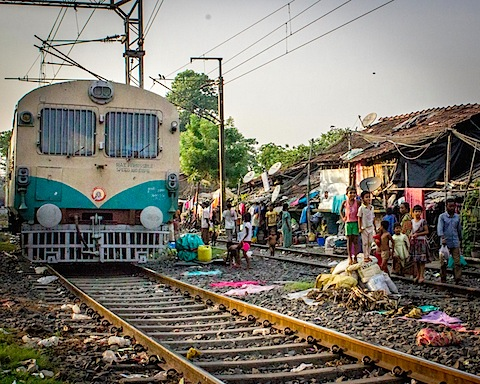 Slum and Train-0895