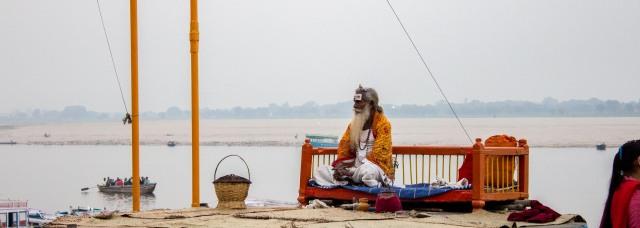 Varanasi - narrow-2488